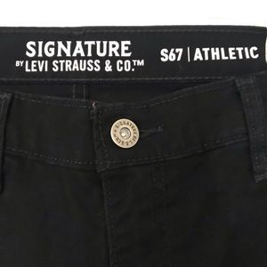 Signature Levis straussand co pants